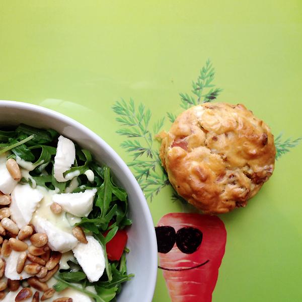 Kleine Genießer | Abendbrot-Ideen | Rezept für herzhafte Muffins & Honig-Senf-Salatdressing