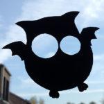 """Halloween-basteln ganz easy: """"Fleulen"""" fürs Fenster"""